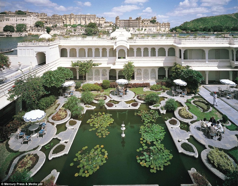 26079D4800000578-2966666-The_Best_Exotic_Jaipur_two_day_tour_begins_at_Rambagh_Palace_bef-a-21_1424776784938