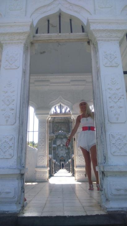 leona w pałacu